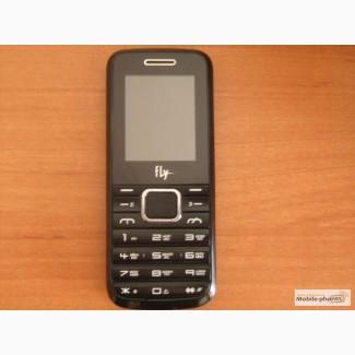 Продаю мобильный телефон Fly на 3-SIM карты